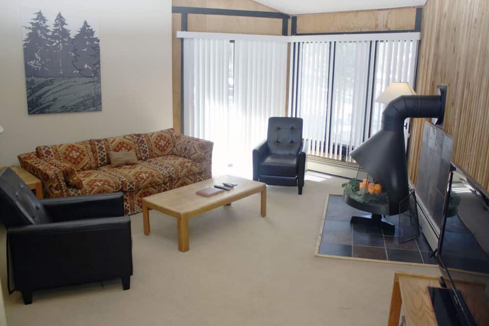 Кондо, 2 спальні - Вітальня