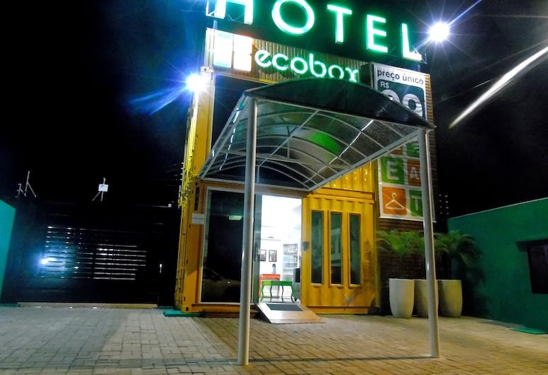 Ecobox Hotel, Três Lagoas, Pohľad na hotel – večer/v noci