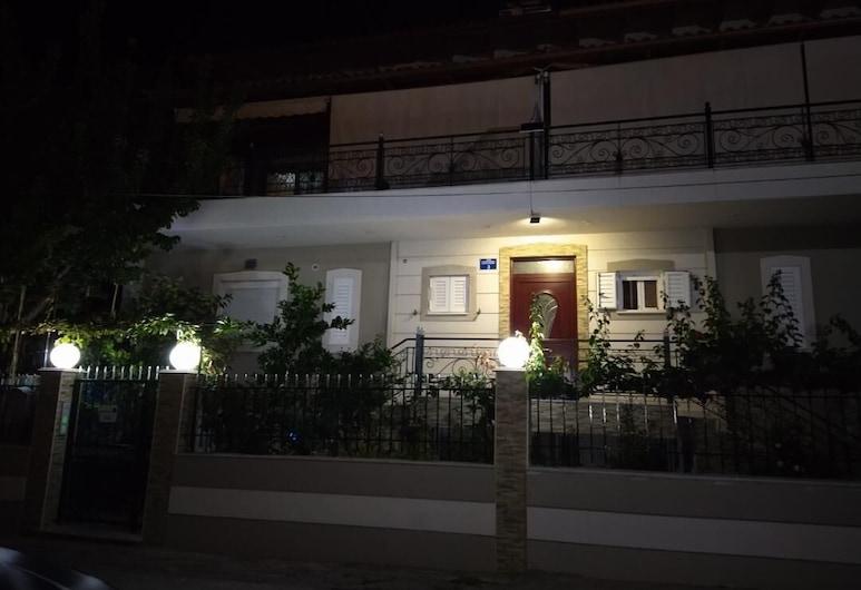 씨사이드 아파트먼트 리오, 파트라, 숙박 시설 정면