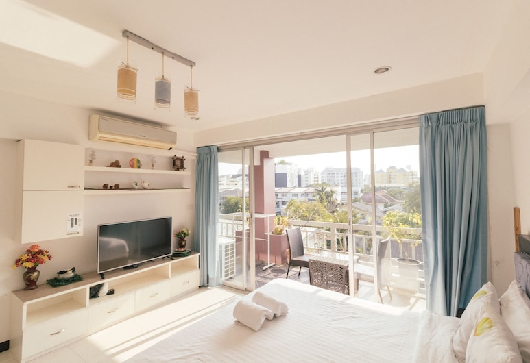 Bangkok Two Bedroom Apartment, Bangkok, Deluxe Apartment for 6 Pax with 1 Bathroom (42B), Room