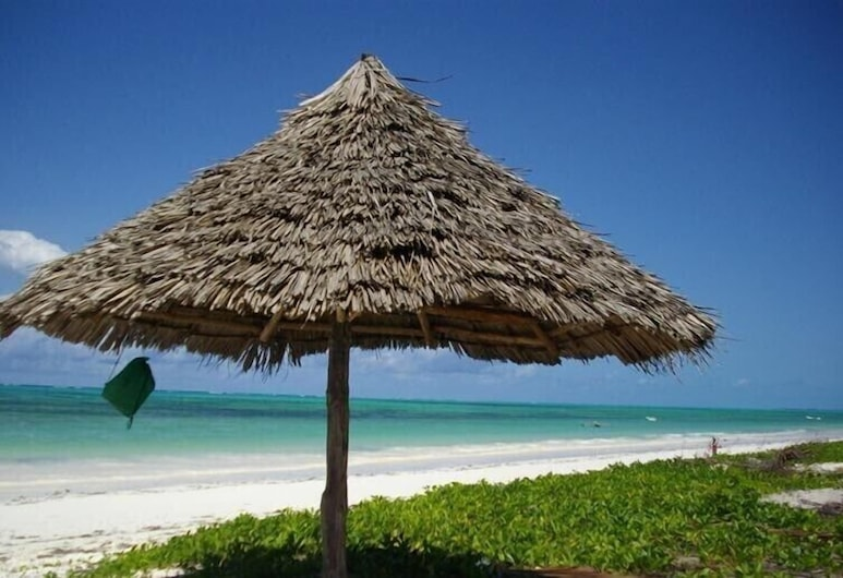 Mustapha's Place, Bveju, Paplūdimys