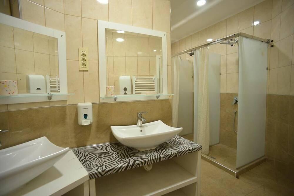 Pokój dwuosobowy, wspólna łazienka - Łazienka