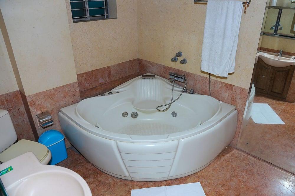 Eenvoudige eenpersoonskamer, gemeenschappelijke badkamer - Badkamer