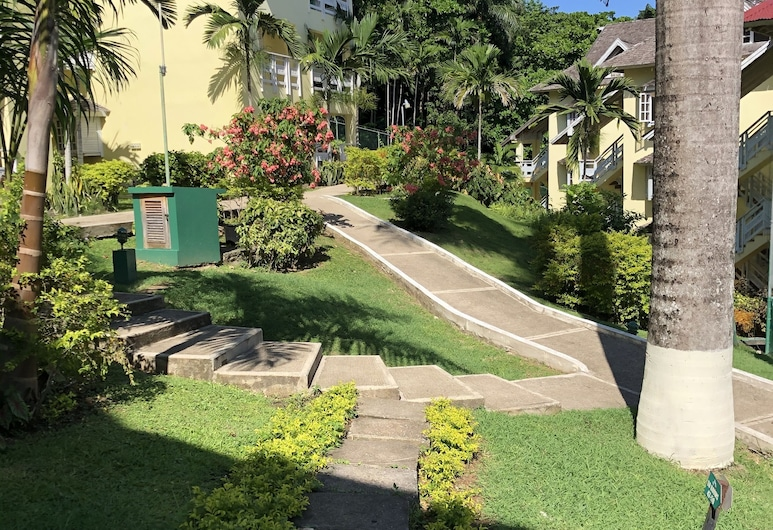 Mystic Mountain apartment, Ocho Rios, Kert