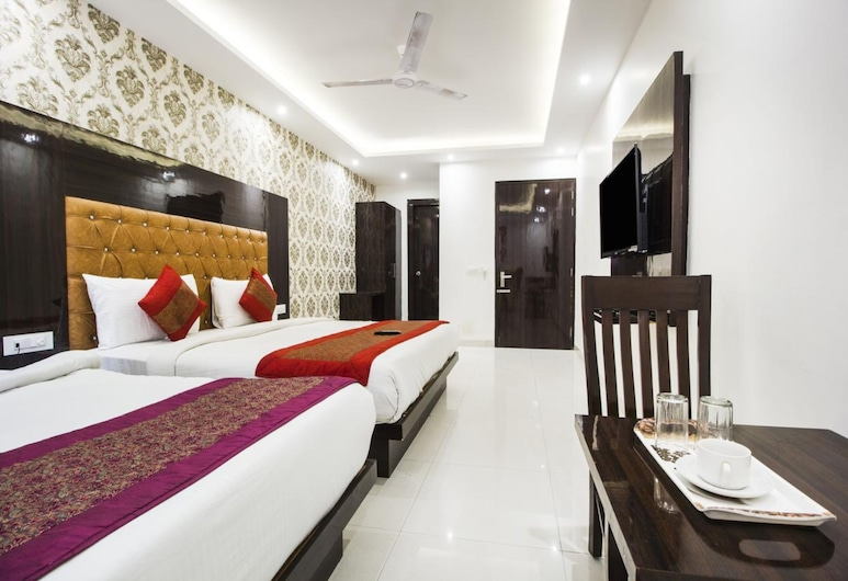 Hotel Iconic Plaza, New Delhi, Family Room, Guest Room