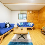 Nhà (Private Vacation Home) - Phòng khách