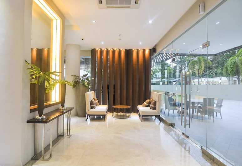 Comfy Suites at The Padgett Place, Cebu, Lobby