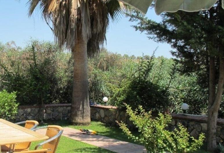 Villa RN4D by JoyLettings, Fethiye, Terasa