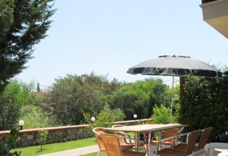Villa RN4D by JoyLettings, Fethiye, Restoran na otvorenom
