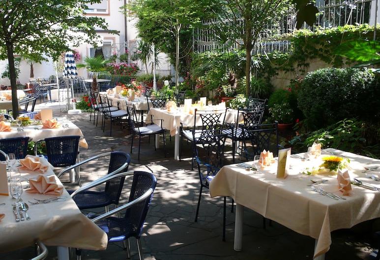 Hotel Anika, Neuenburg am Rhein, Outdoor Dining