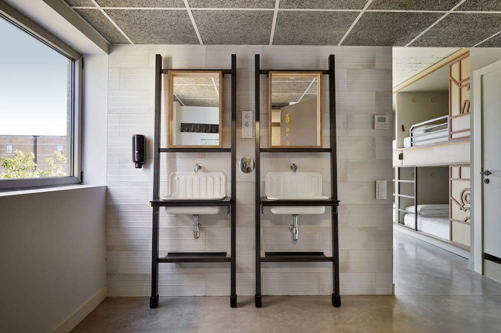 Gemeinsamer Schlafsaal, Gemischter Schlafsaal (1 bed in a 8-Bed Dormitory Room) - Badezimmer