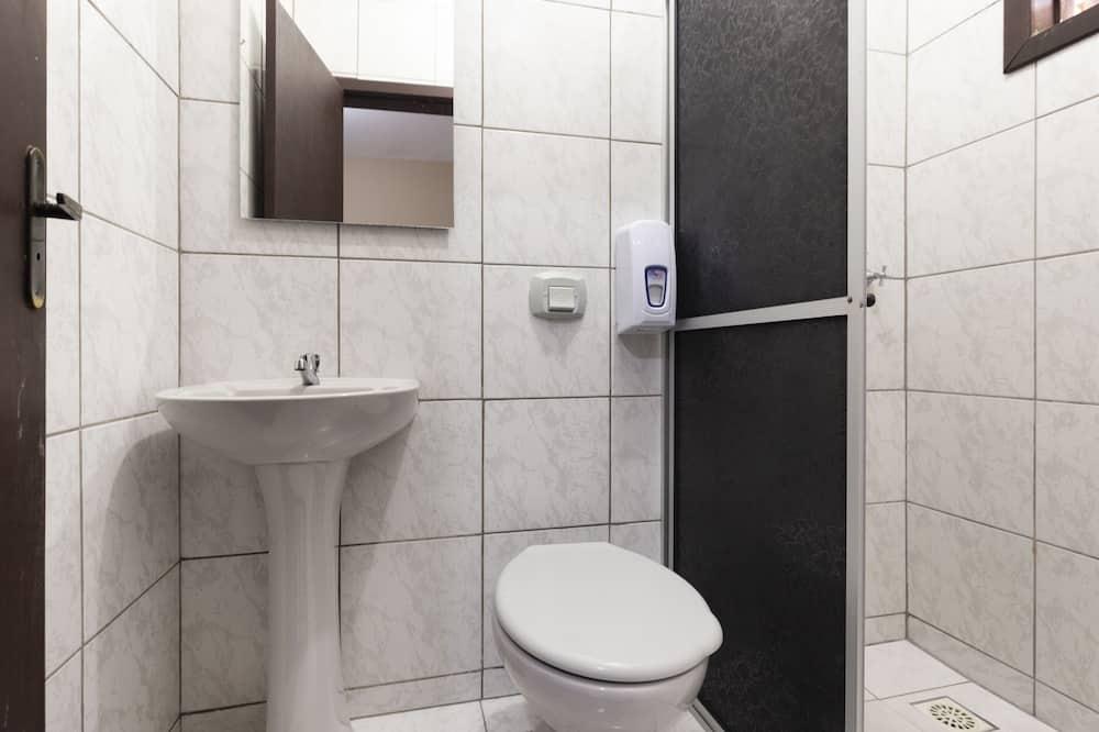 Superior driepersoonskamer - Badkamer