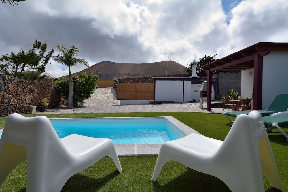 Family Villa, 3 Bedrooms, Terrace, Mountainside - Private pool