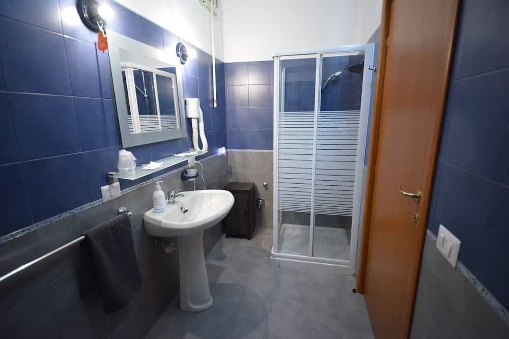 Classic Room, Kitchenette - Bathroom