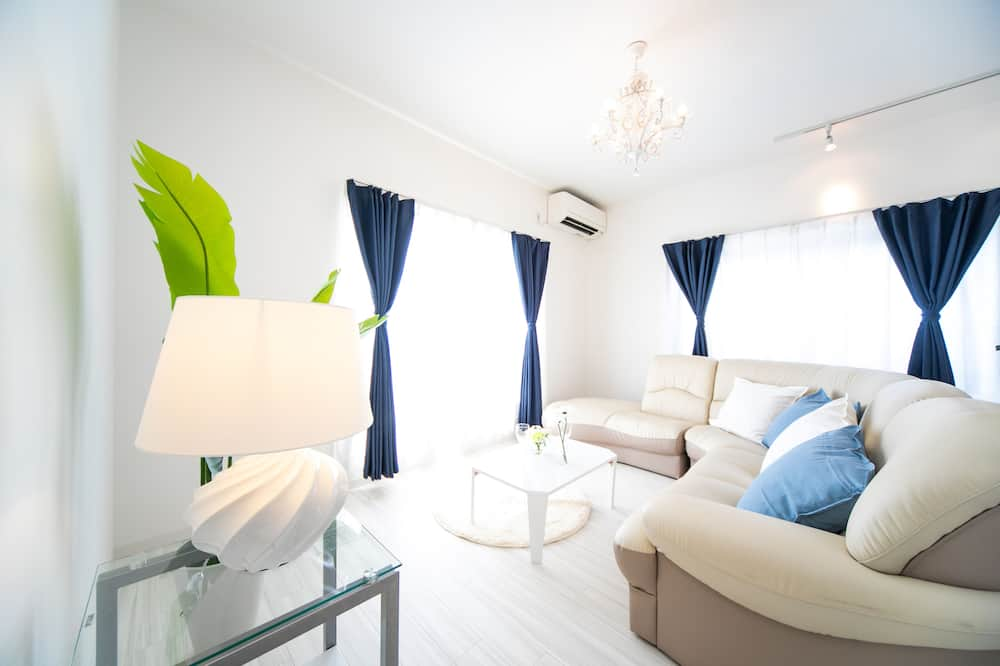 Awaji Seaside Resort in Iwaya 3000 - Room