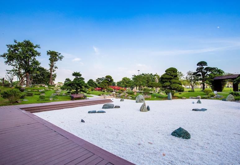 Nemo's House - Vinhomes Luxury Central, Ho Chi Minh City, Jardim