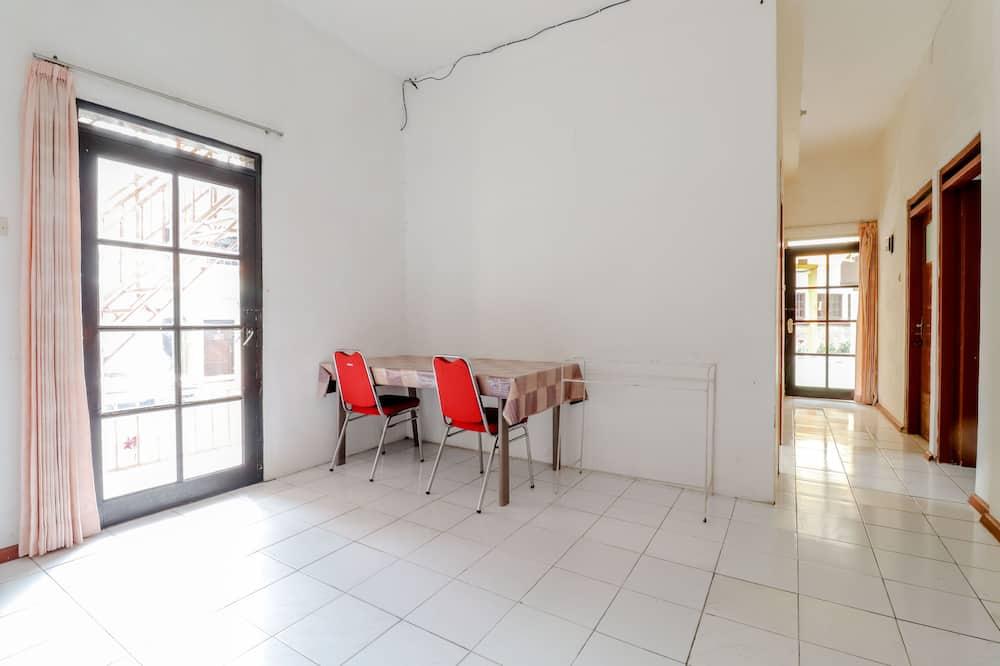 Villa 3 Bedroom - Living Area