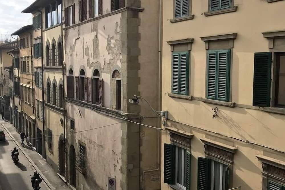 Familien-Vierbettzimmer - Blick auf die Straße