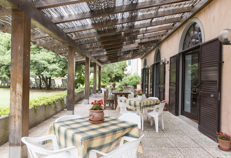 Casa Valdese di Rio Marina - Casa per Ferie, Rio, Terrace/Patio