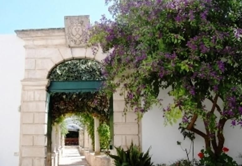 Casa Adele - Dimora del 1700 nel centro storico, Мартина-Франка, Территория отеля