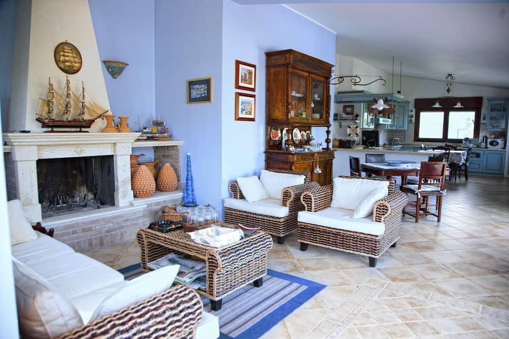 Tradicionāla villa, vairākas guļamistabas, privāts baseins - Dzīvojamā zona