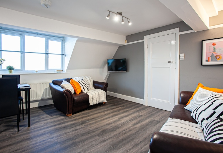 The Manchester Pad - Sleeps 12, Manchester, Apartment, Living Area