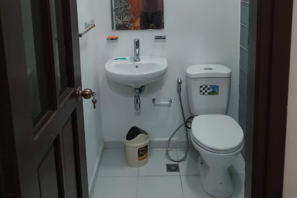 Superior Double Room, City View - Bathroom