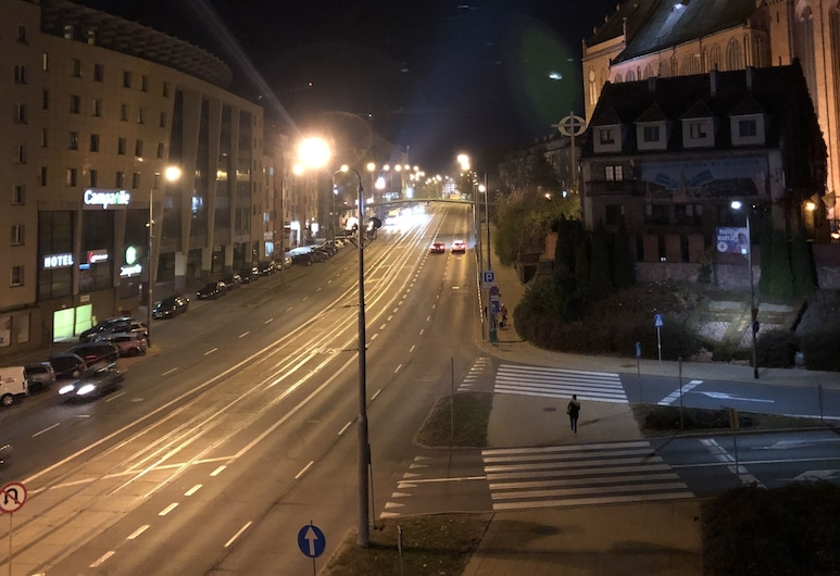 Sydonia Apartments - Wyszyńskiego, Szczecin, Fachada do estabelecimento (à noite)