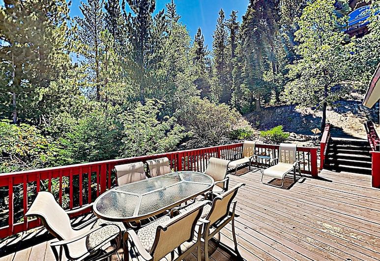 New Listing! Cozy W/ Game Room & Decks 2 Bedroom Home, Danau Arrowhead, Rumah, 2 kamar tidur, Balkon