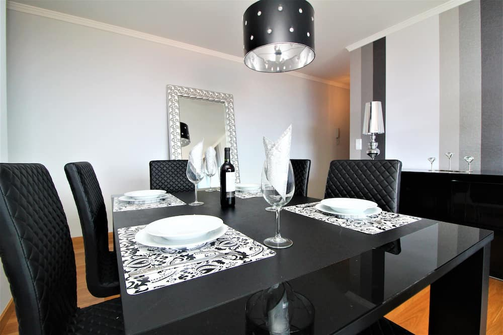 Apartment, Sea View - In-Room Dining