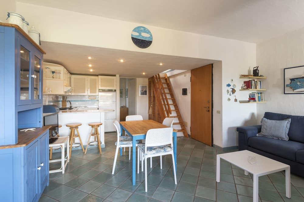 Dzīvokļnumurs, viena guļamistaba, augšējais pusstāvs - Dzīvojamā zona