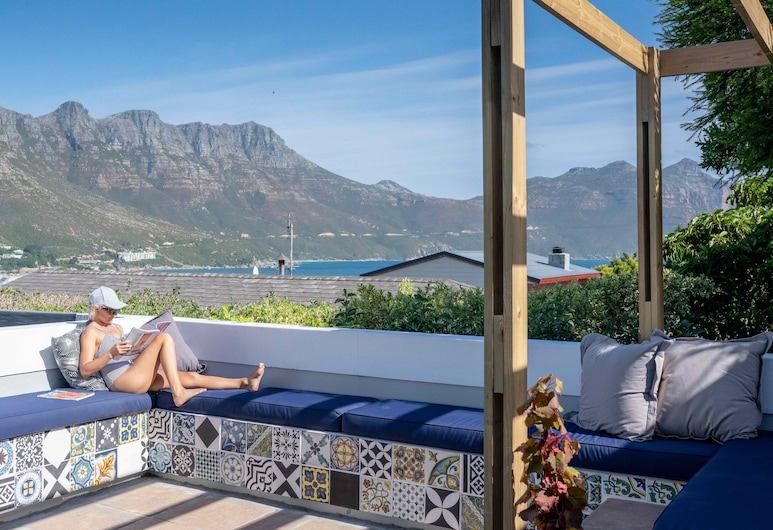 Hout & About Guest House, Cape Town