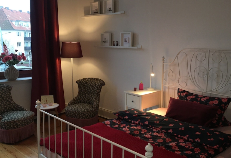 Hansekammern, Luebeck, Double Room, Balcony (Roter Salon, Shared Bathroom), Guest Room