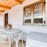 Apartment With one Bedroom in Pisciotta, With Furnished Terrace - 200 m From the Beach