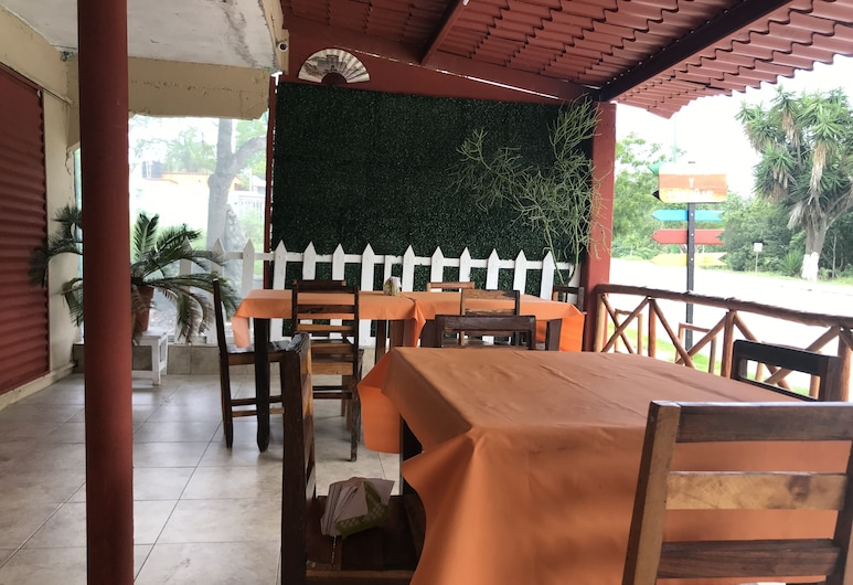 Cabañas y Comedor Don Deme, Calakmul, Restaurant