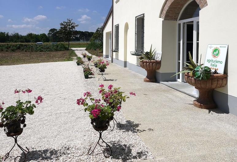 I Merisi, Forlì, Entrada del hotel