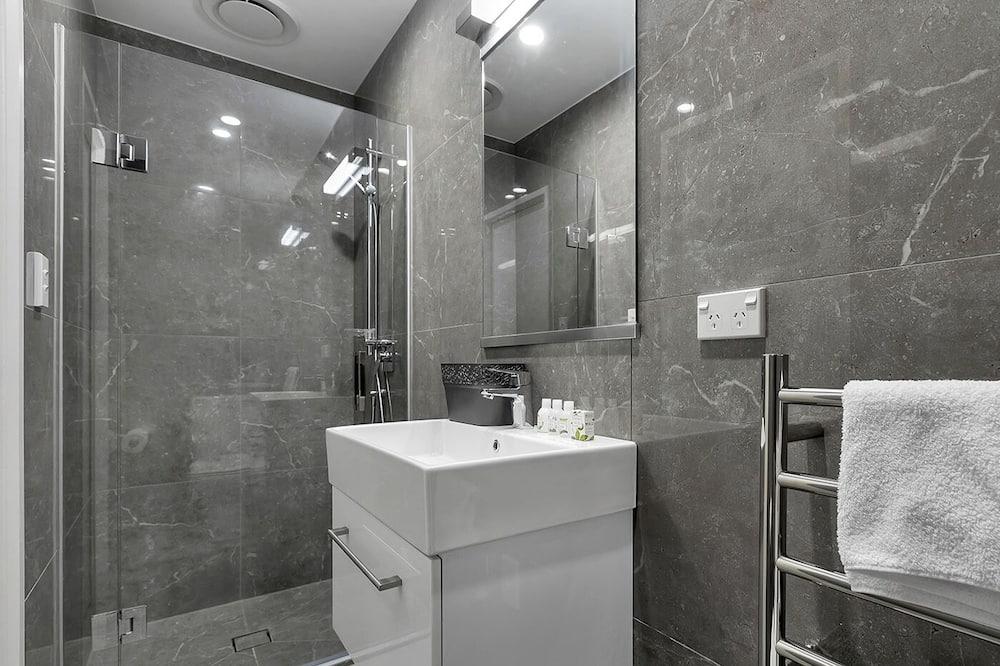 2 Bedroom Apartment with Balcony - Bathroom