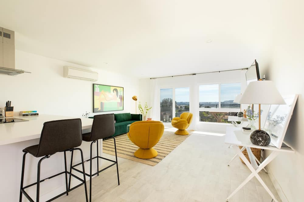 Condo, 2 Queen Beds (Guy St 2 - Avalon II) - Living Room