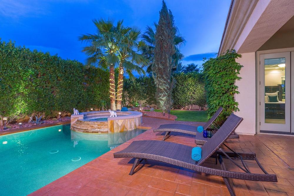 Ferienhaus, Mehrere Betten (Casa del Sol - Desert Oasis w Gorgeou) - Pool