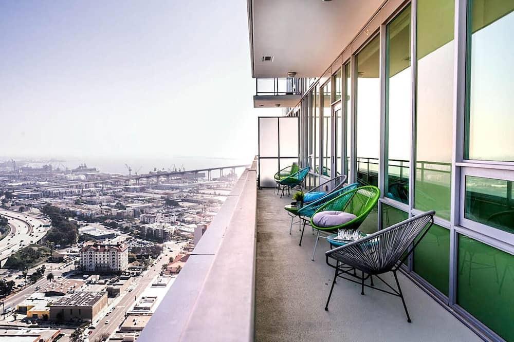 Butas, Kelios lovos, vaizdas į vandenyną (Ocean View I - Home in the Heart of D) - Balkonas