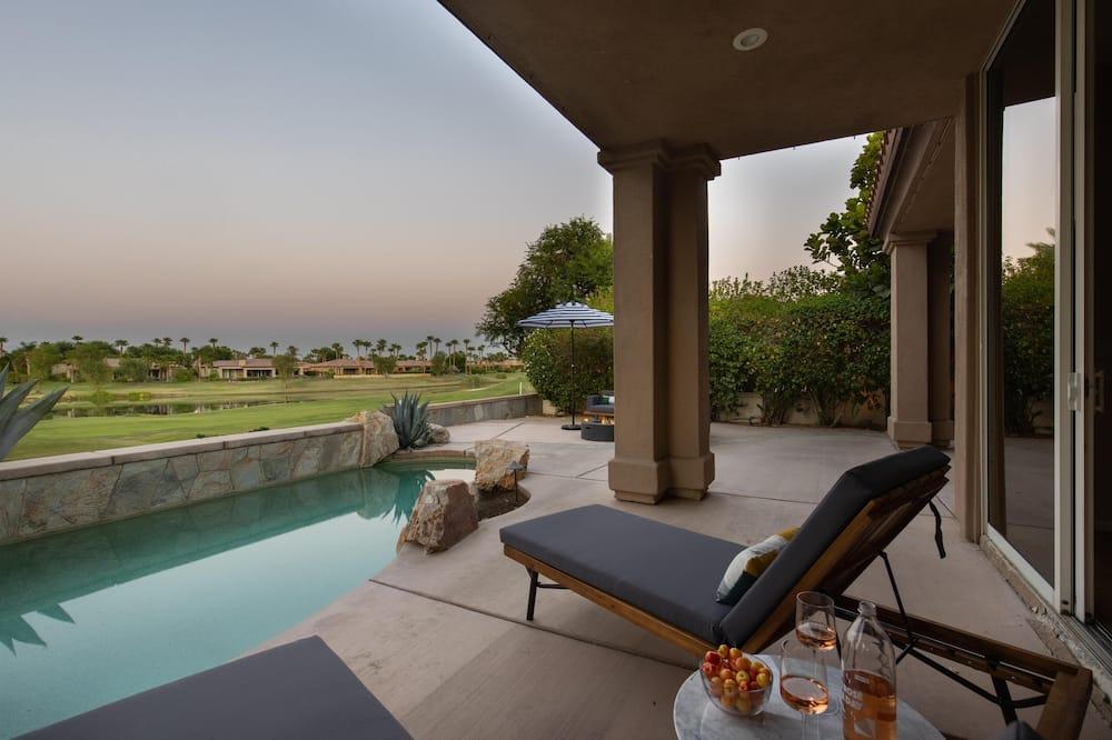 בית, מספר מיטות (Jacinta - Spacious Getaway w Pool & S) - בריכה