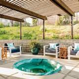 Dom, viacero postelí (Cliffridge - Lush Malibu Hills Estate) - Bazén