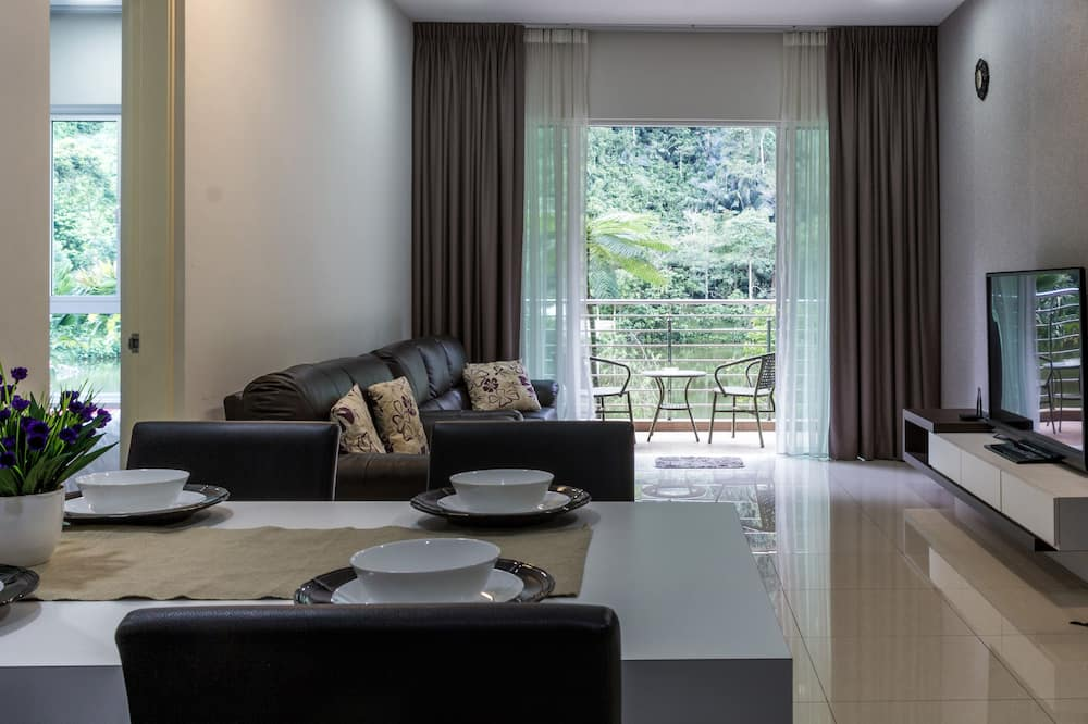 The Haven Lakeside Suites by Verve (8 Pax) EECH13 - Living Area