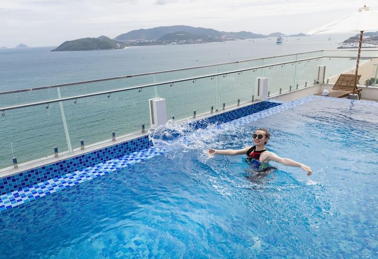 Sunkiss Hotel, Nha Trang, Ääretön uima-allas