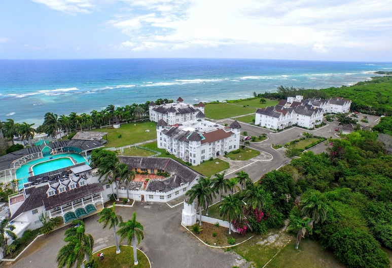 Seacastles Apartments, Montego Bay