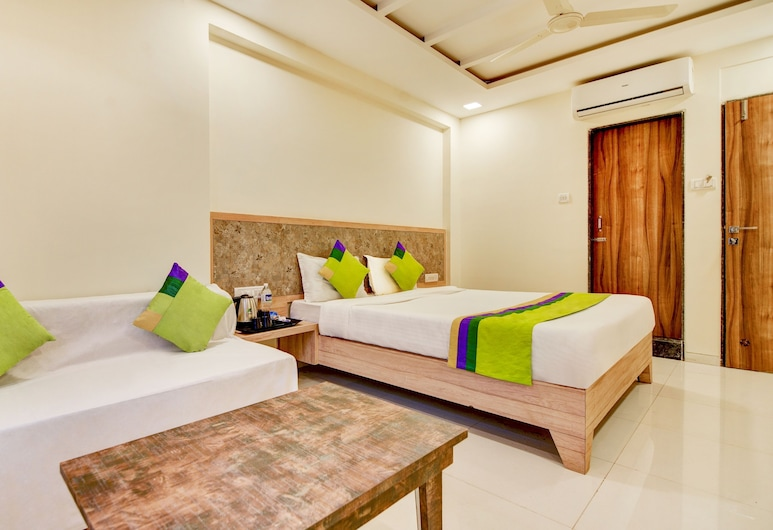 Treebo Trend Bright Plaza and Spa, Mahabaleshwar, Deluxe Room, Guest Room