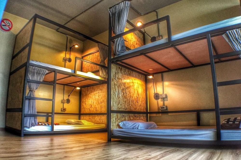 Dormitorio compartido básico, solo para mujeres - Habitación