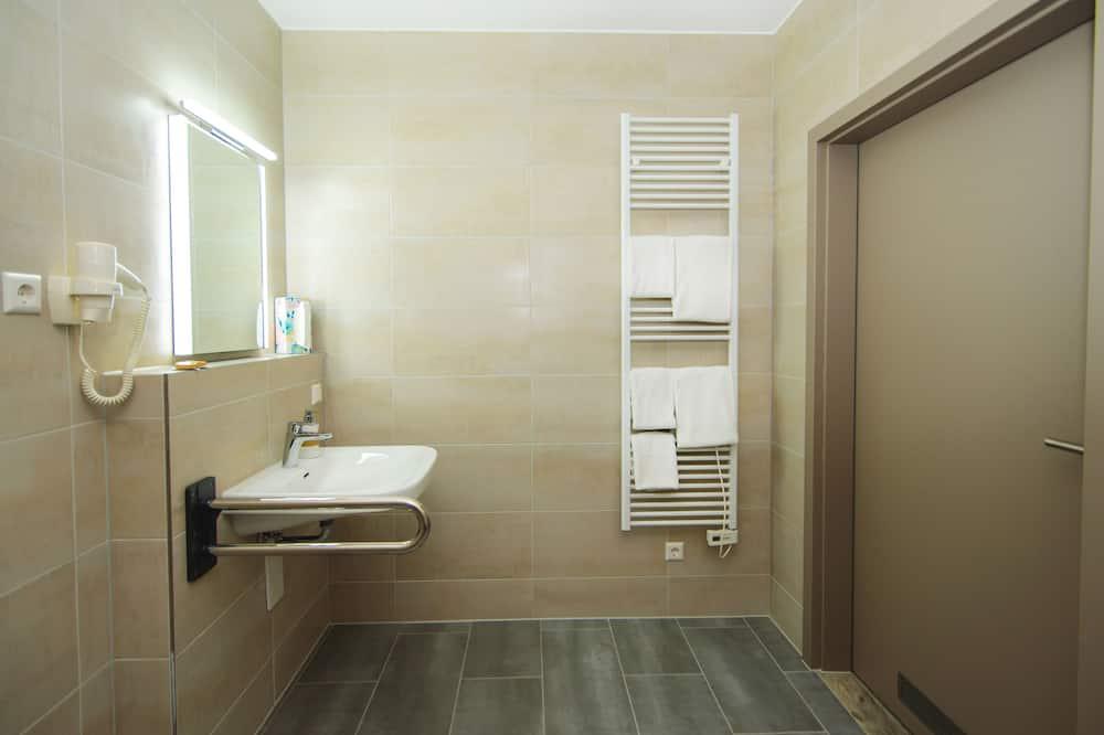 Standard Double Room, Accessible - Bathroom