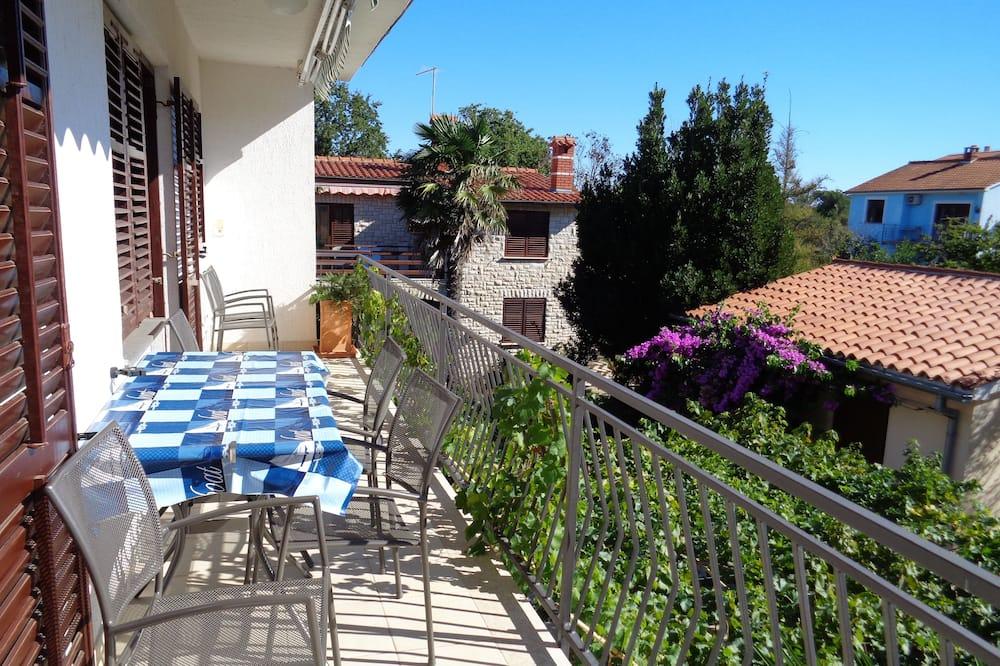 Apartment, 3 Bedrooms - Balcony View
