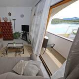 アパートメント 3 ベッドルーム (N3) - リビング エリア